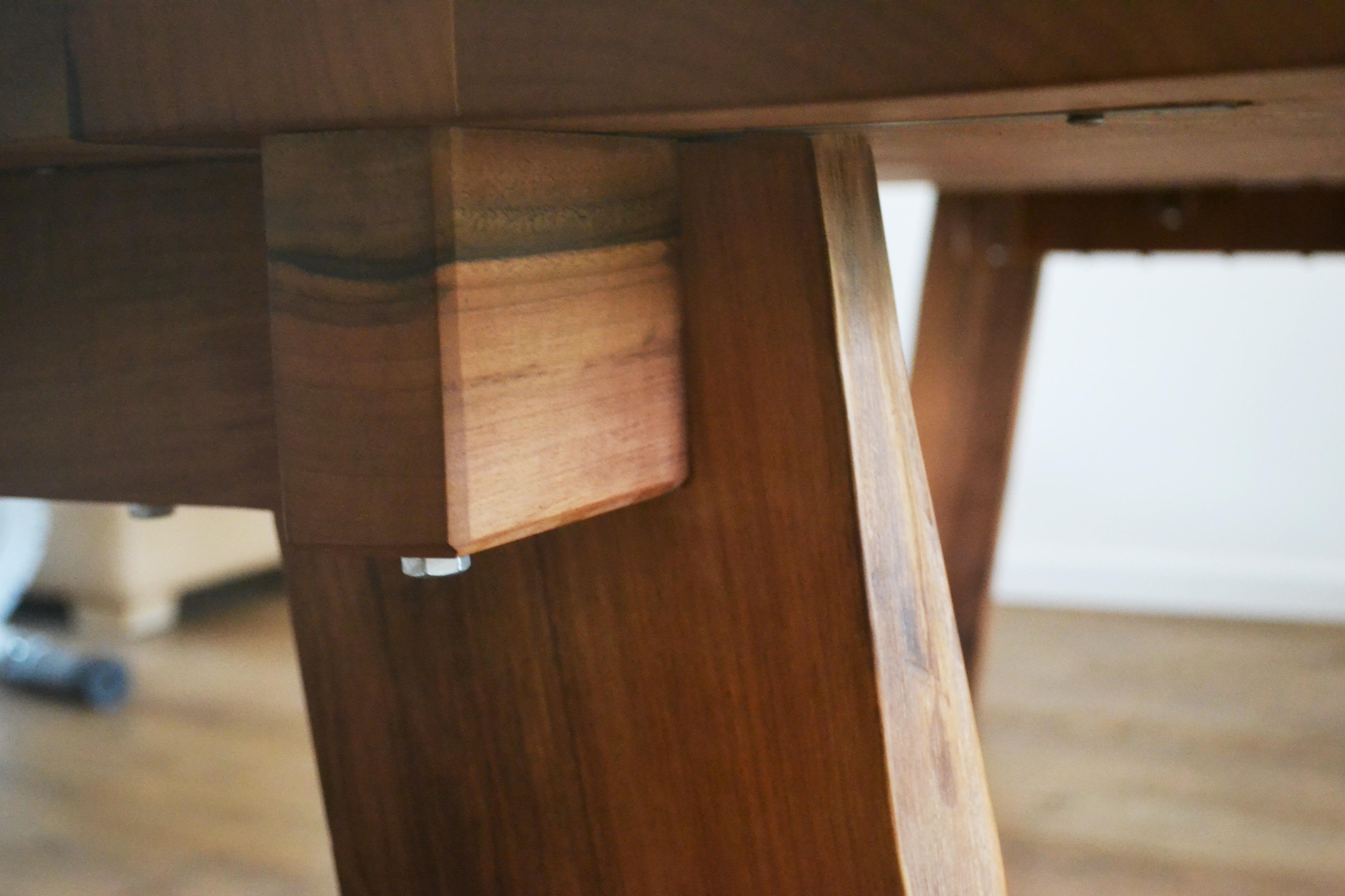 Houten eettafels op maat houtwerff meubelmaker in for Eettafel op maat laten maken