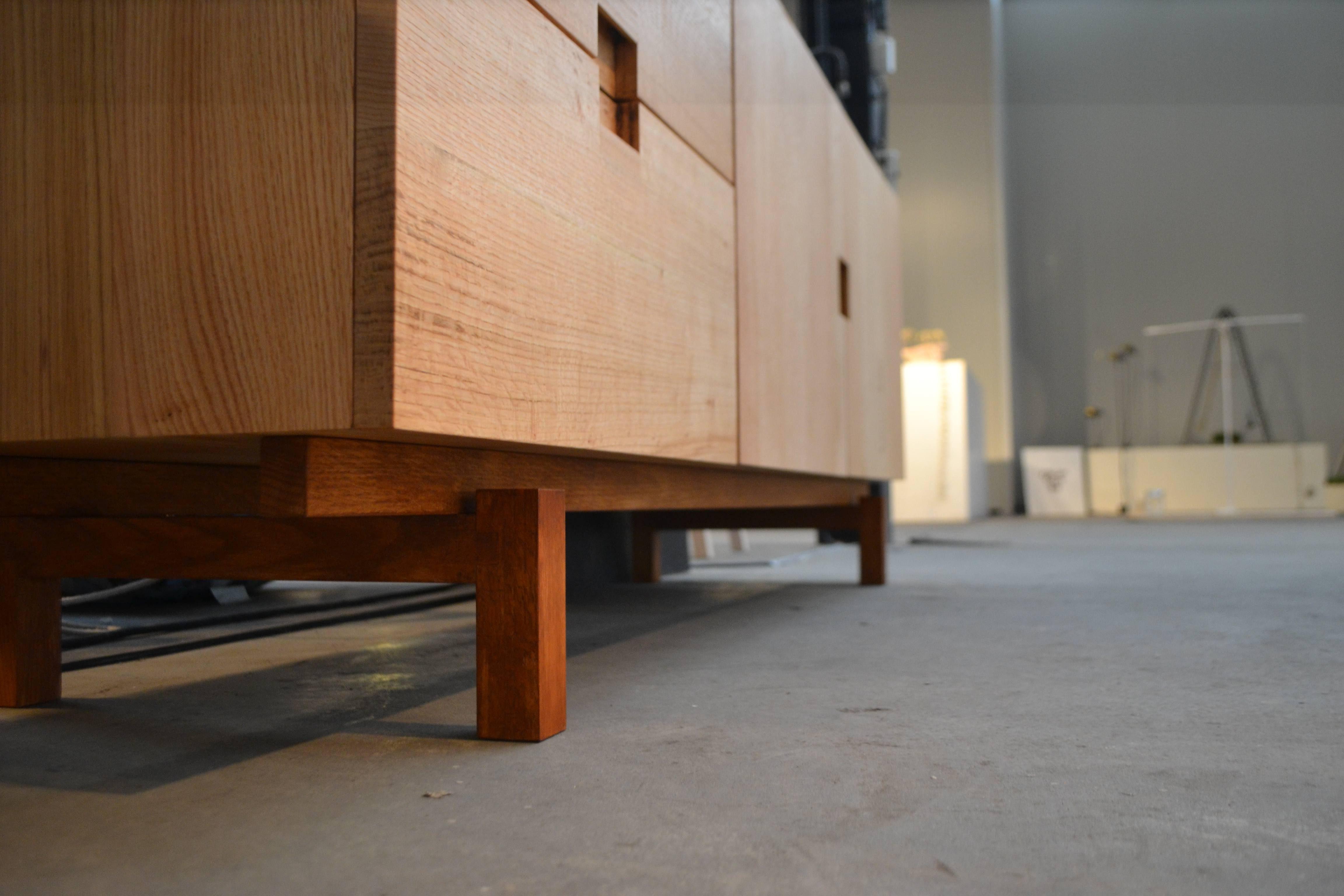 #Meubelmaker  #Eindhoven  #meubelmakerij #interieuropmaat #interieurbouw #meubelsopmaat #DutchDesignWeek #meubelsopmaat #Handgemaakt #tafelopmaat #kastopmaat #dressoiropmaat #amsterdam #houtenkeukensopmaat #Houtentafelopmaat #meubelontwerp #handgemaaktekeukens #houtenmeubels #maatwerkkeukens