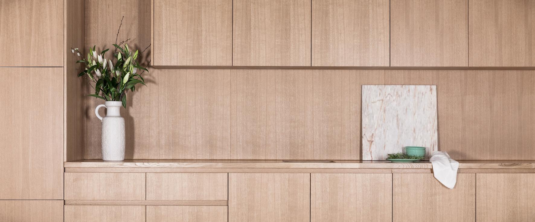 #Meubelmaker  #Eindhoven  #meubelmakerij #interieuropmaat #DutchDesignWeek #meubelsopmaat #Handgemaakt #Houtentafelopmaat #tafelopmaat #Eikentafel ##kastopmaat #dressoiropmaat #bureauopmaat #industrieelbureau #bureauvanstaal #amsterdam