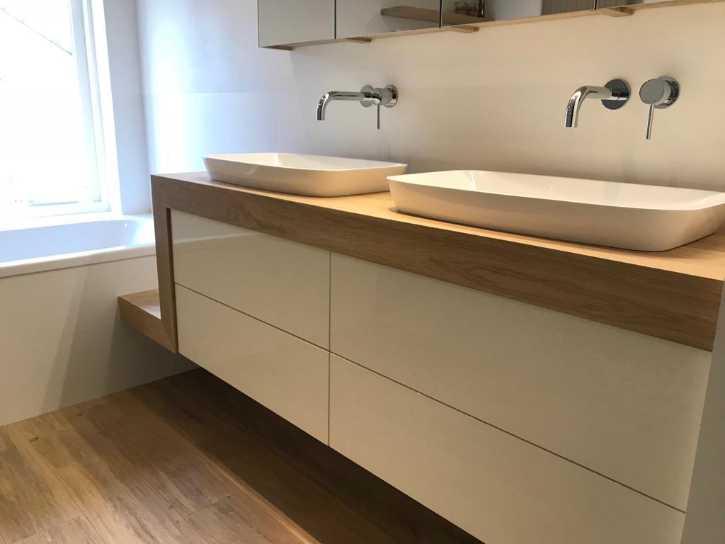 Badkamermeubel Op Maat : Badkamermeubel van hout · houtwerff meubelmakerij