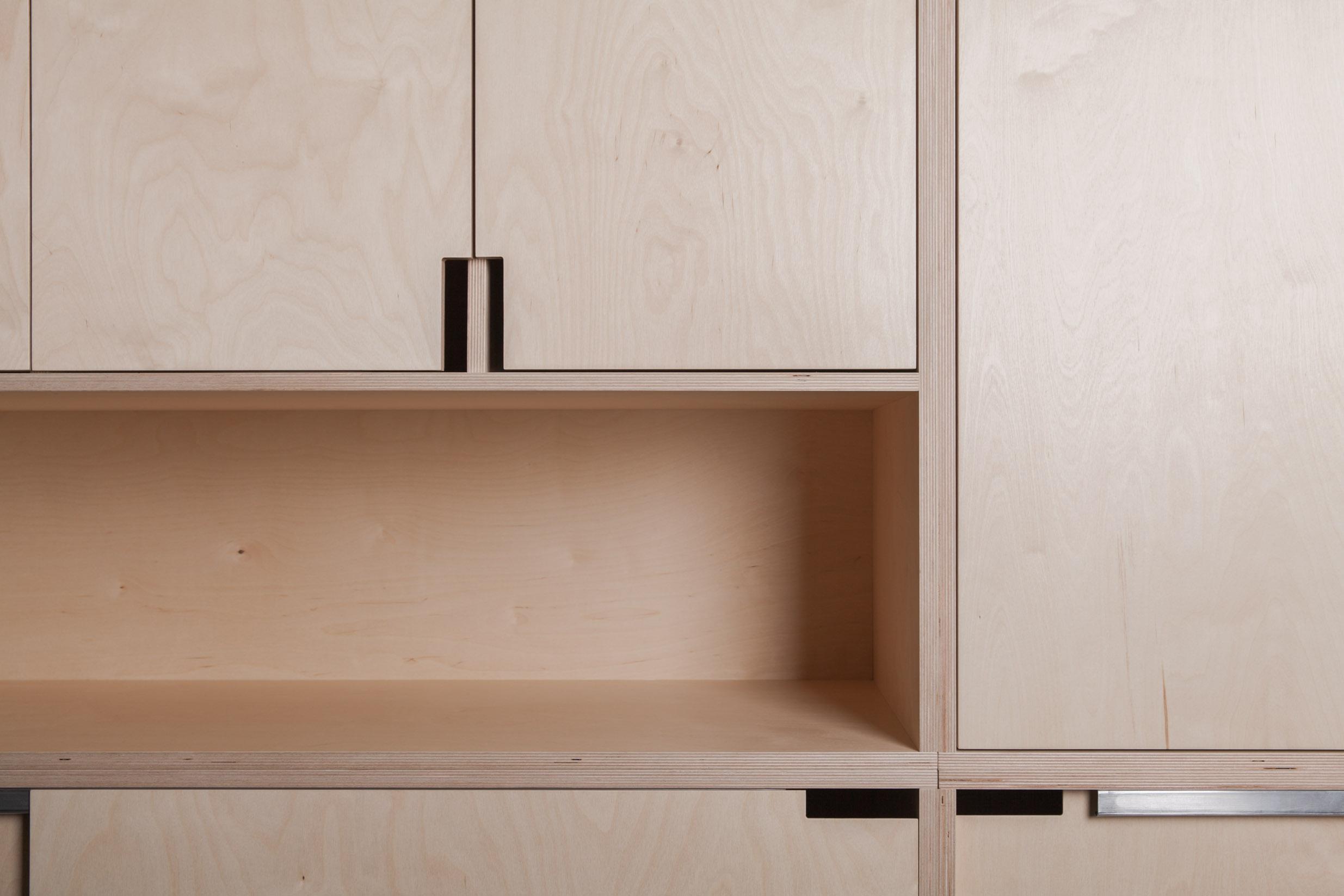 Kledingkast op maat · houtwerff · maatwerk interieurs en meubels